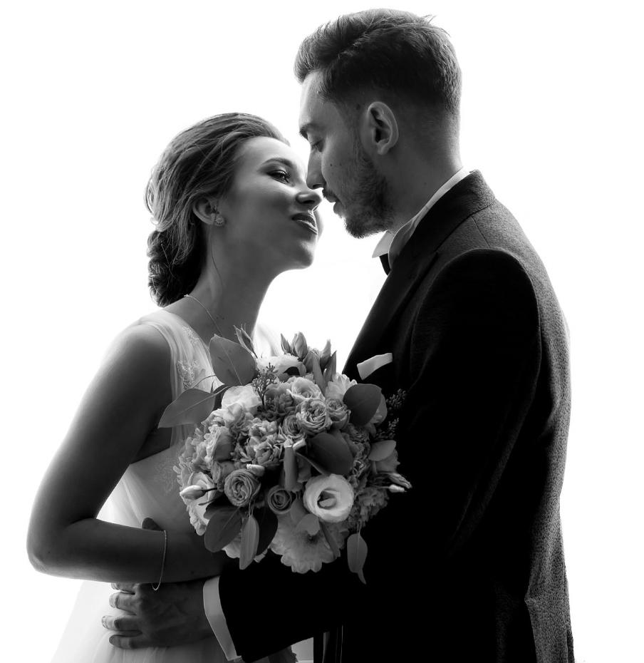 портретная съемка пары в день свадьбы