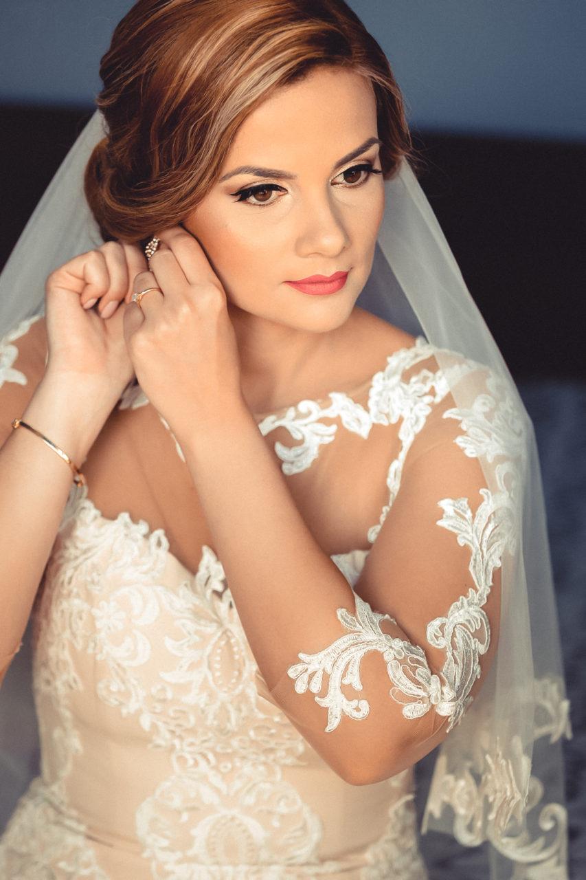 невеста готовится к свадьбе