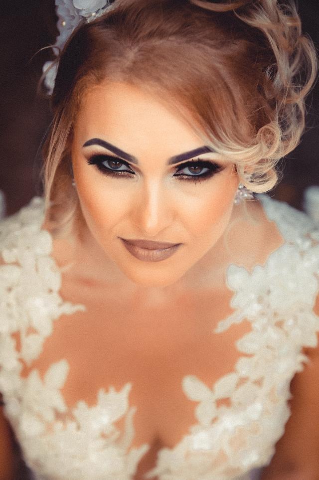 портрет невесты в макияже